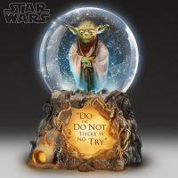 Star Wars Yoda Jedi Master Musical Glitter Globe