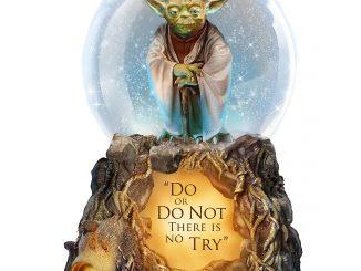 Star Wars Yoda Musical Glitter Globe