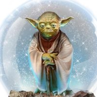 Star Wars Yoda Musical Glitter Globe Detail