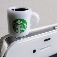 Starbucks-Coffee-Mug-iPhone-Plug