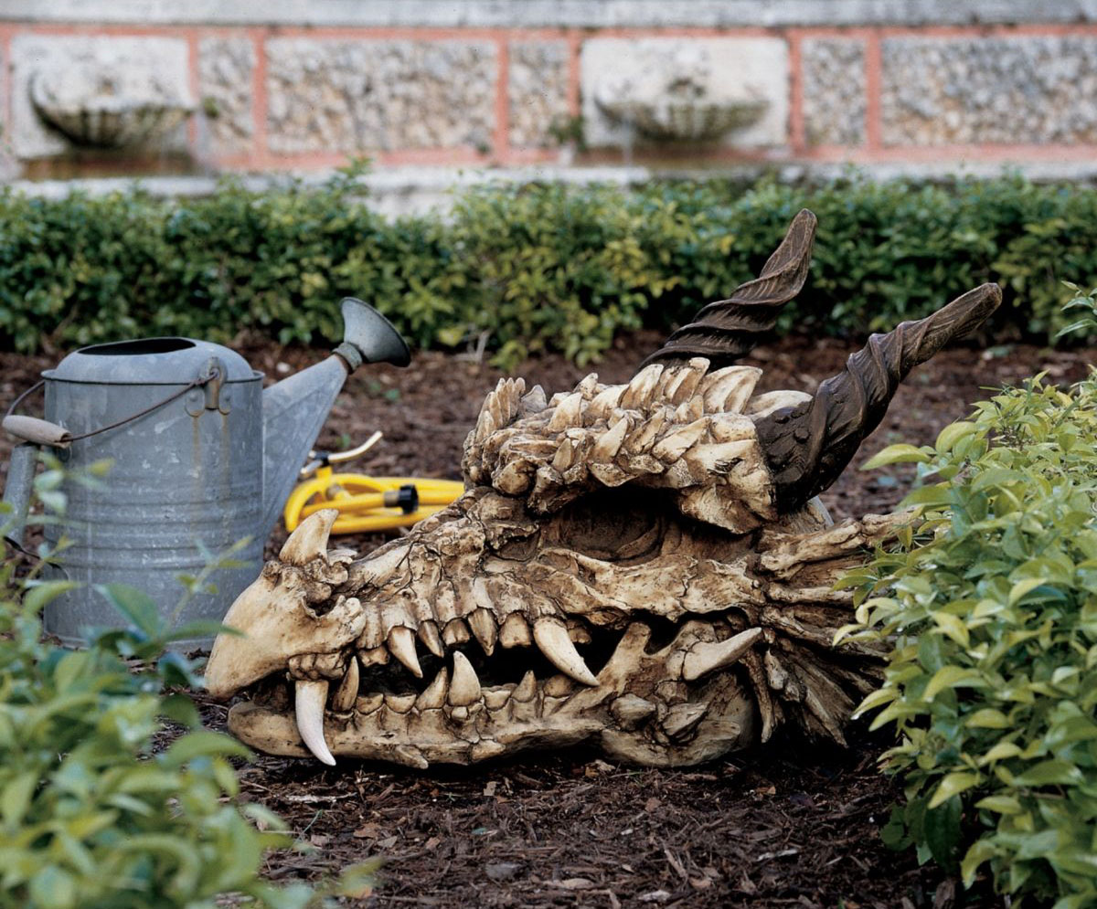 Dragon skull statue for Game of thrones garden ornaments