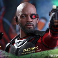 Suicide Squad Deadshot Sixth-Scale Figure 12