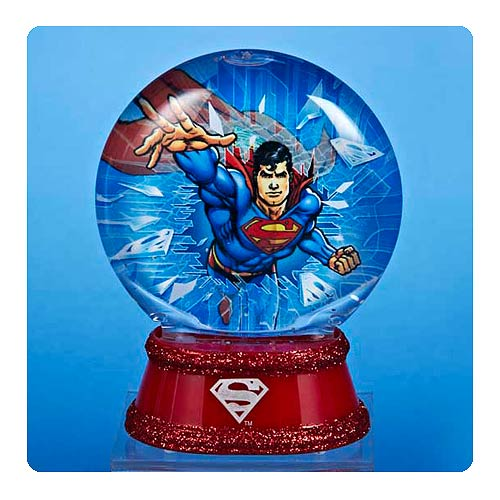 Superman Light-Up 3 1 2-Inch Water Globe