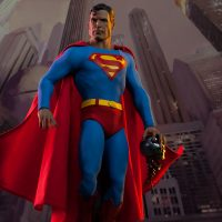 Superman Sixth Scale Figure Cityscape