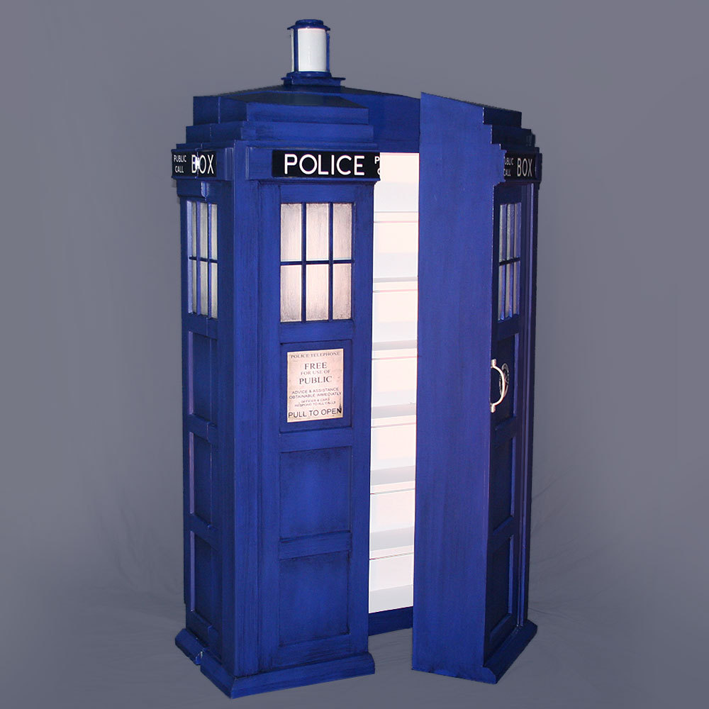& Doctor Who TARDIS Shelving System