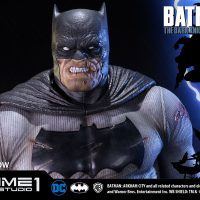 The Dark Knight Returns Batman Statue 6