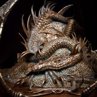 The Hobbit Smaug the Golden Bronze Statue Detail