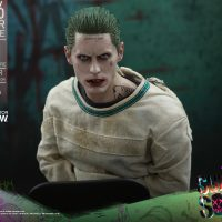 The Joker Arkham Asylum Version Sixth-Scale Figure 6