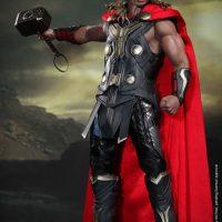 Thor Light Armor Sixth-Scale Figure