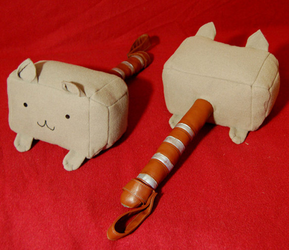 Thor The Dark World Mew-Mew-Mjolnir Kitty