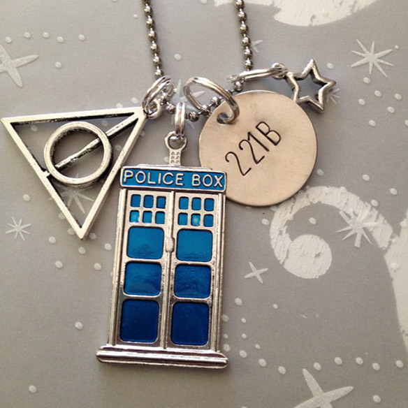 Ultimate Fandom Necklace
