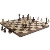 WOBBLE WOOD CHESS SET