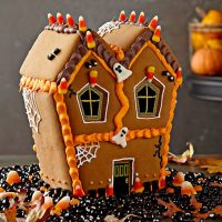 Williams-Sonoma No-Bake Halloween Haunted House