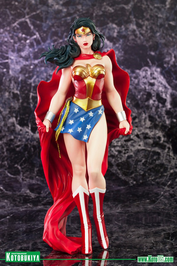 Wonder Woman ArtFX Statue
