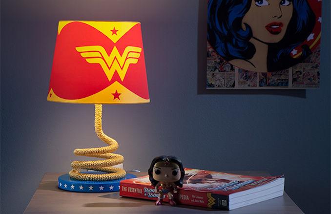 Wonder Woman Lasso Of Truth Lamp