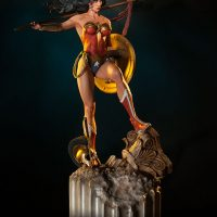 Wonder Woman Premium Format Figure Angle