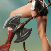 Wonder Woman Premium Format Figure Axe