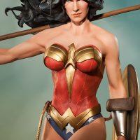 Wonder Woman Premium Format Figure Statue