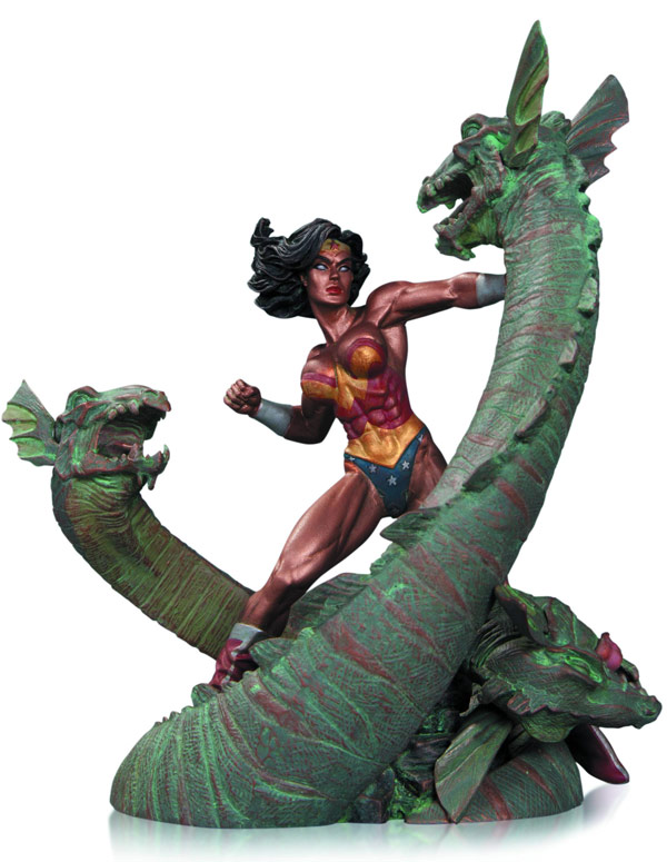 Wonder Woman vs Hydra Statue