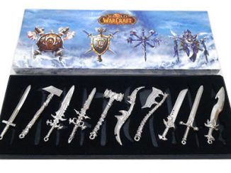 World of Warcraft Set of 10 Mini Weapons