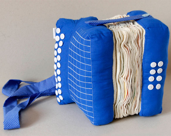 accordion pillow