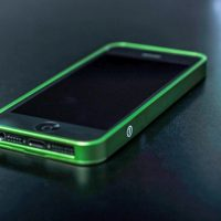 al13-premium-ultra-thin-aluminum-bumper-case-iphone-green