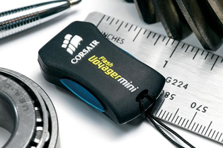 Corsair Voyager Mini USB Flash Drive