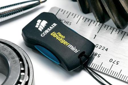Corsair Voyager Mini USB Flash Drive