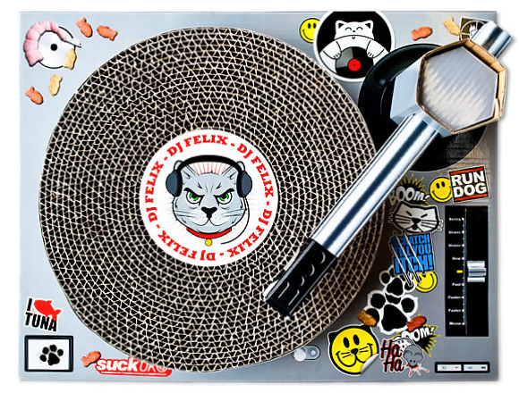 DJ Felix Cat Scratching Mat