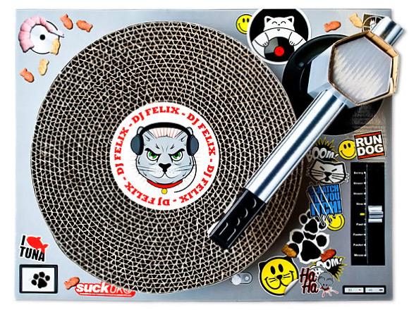 DJ Felix Cat Scratching Mat
