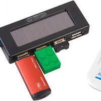 Solar Charging USB Hub with Flashlight