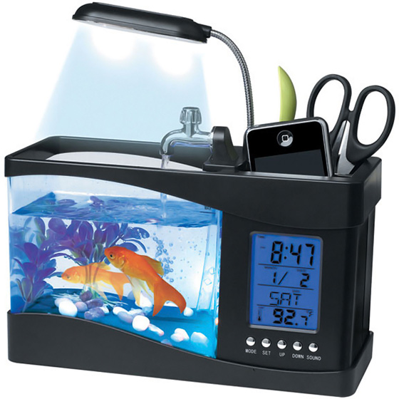 Fascinations usb desktop aquarium for Desktop fish tank