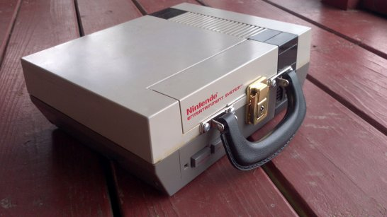 Nintendo NES Luchbox