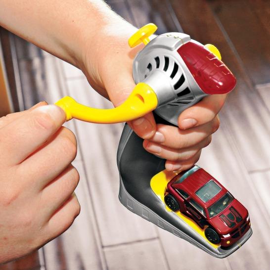 Hand-Crank R/C Car