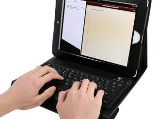 Apple iPad 2 Case with Bluetooth Keyboard
