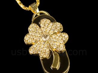 Lucky Clover Jewel Necklace USB Flash Drive