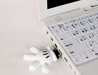 Mickey Mouse Glove USB Flash Drive