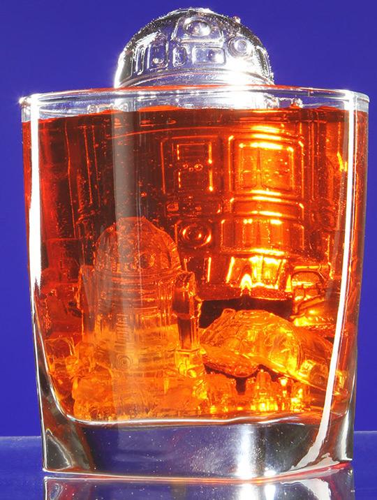 http://www.geekalerts.com/u/r2-d2-ice-cubes.jpg