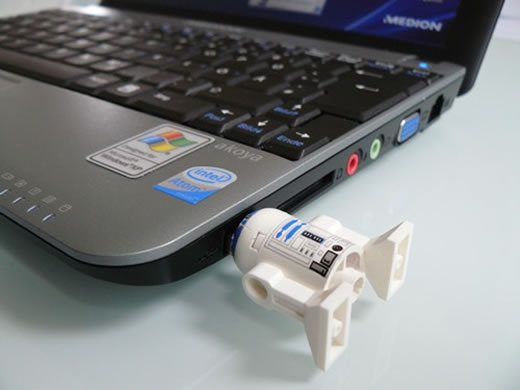 R2-D2 USB Flash Drive LEGO Figure