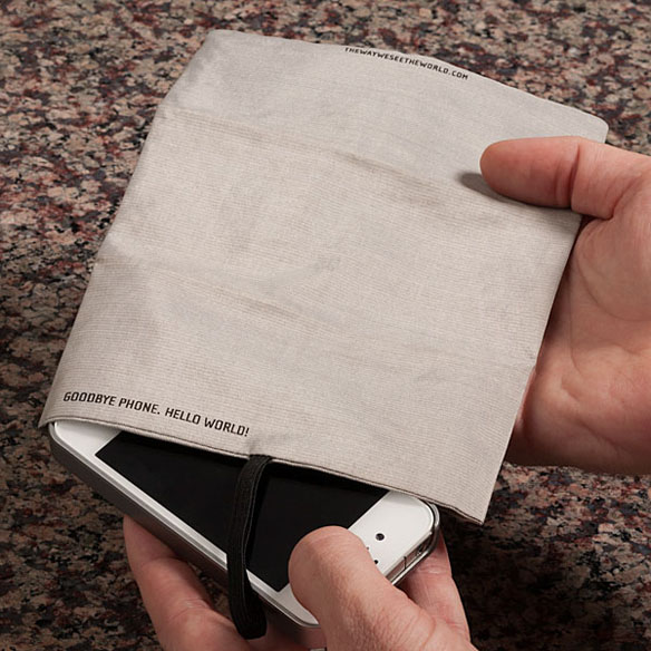 signal blocking phone pocket